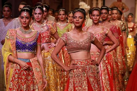Dress Tradisional India Abu Abu top 10 most happening fashion shows in india lisaa