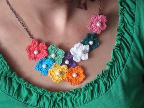 fiori a crochet created in awe crochet