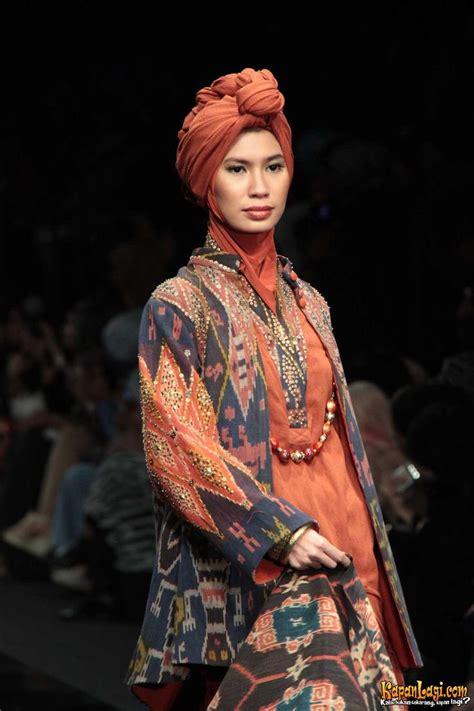 Ida Royani 307 best images about batik tenun ikat on runway jakarta and kaftan