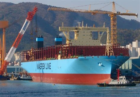 biggest shipping vessel in the world latest world s largest containership delivered to maersk