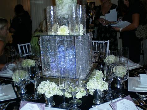 black and silver mirrors unique wedding centerpiece ideas