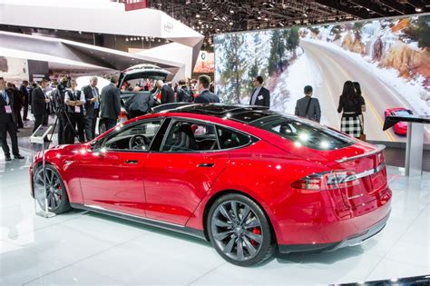 Tesla Detroit Auto Show Tesla Model S Ends Range Anxiety With New Range