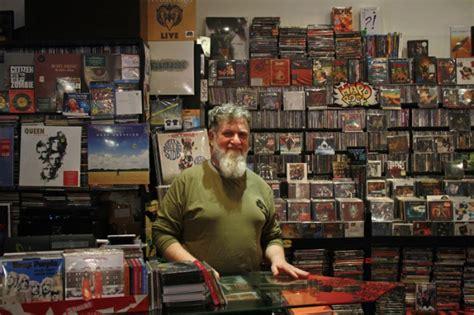 dischi volanti il giro d italia in 20 negozi di dischi verona dischi