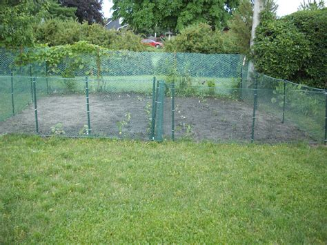 Garden Fencing Ideas Do Yourself Cool Garden Fencing Ideas Do Yourself Home Outdoor Decoration In Addition To Marvelous Simple