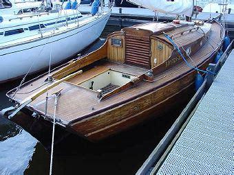 barche usate cabinate piccole barche cabinate la cura dello yacht