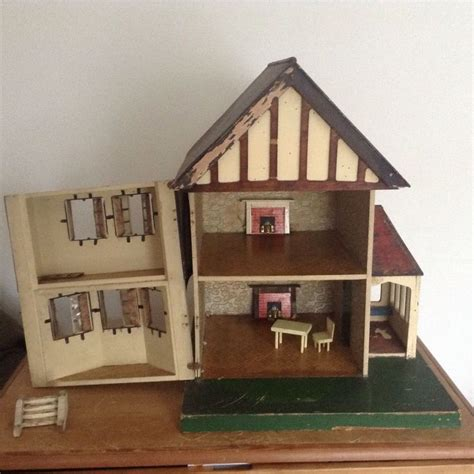 queen anne dolls house 17 best images about stockbrocker triang dolls house on