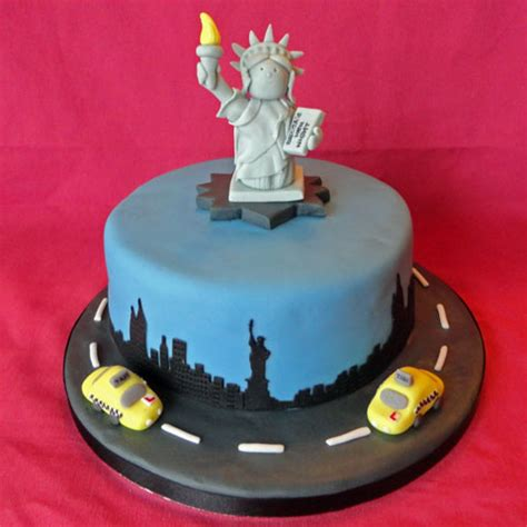 New York Themed Cake Decorations by Best 25 New York Cake Ideas On Cheesecake New