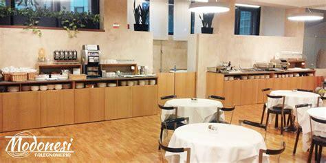 mobili hotel bancone buffet su misura per albergo falegnameria modonesi