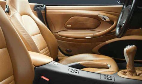 prodotti per pulire interni auto lavaggio auto quali prodotti usare per esterni e interni