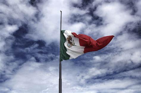 imagenes de luto bandera de colombia cuartoscuro 187 concurso sobre la bandera