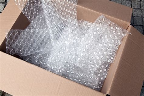 Packing Buble wrap sealed air stock packaging packaging box supplier bespoke packaging