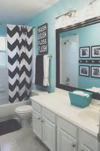Black And White And Teal Bathroom Ideas by Best 25 Turquoise Accent Walls Ideas On Pinterest