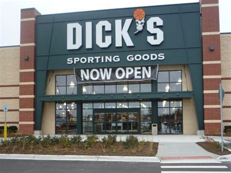 s sporting goods store in roseville mi 1177