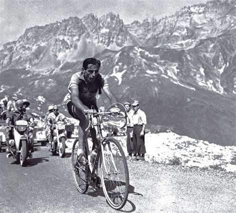 Pin Pas Pin Staf Pemasyarakatan fausto coppi col du galibier 1952 staff favorites