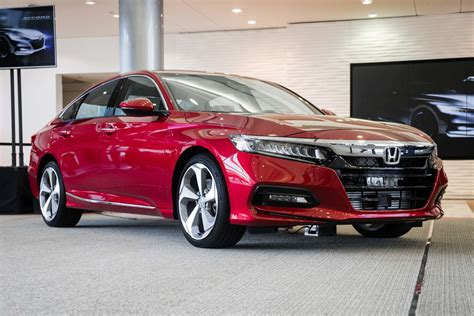 honda accord 2018 honda accord and 2018 toyota camry a specs