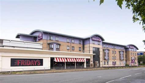 preminer inn premier inn leeds city centre hotels in leeds ls3 1lw
