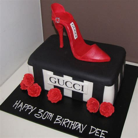 Designer shoe box   Gucci red   That's My Cake