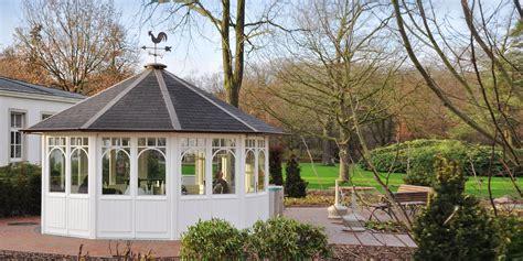 gartenpavillon rund gartenpavillons woga handgefertigte holzpavillons