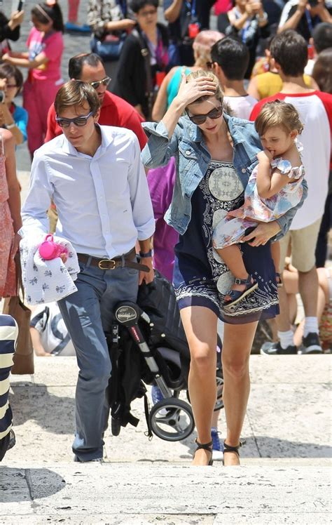 ivanka trump shows off her growing baby bump on vacation jared kushner in ivanka trump shows off her baby bump in