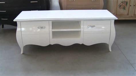 verniciare mobile legno lucido mobile porta tv bombato laccato bianco lucido con foglia