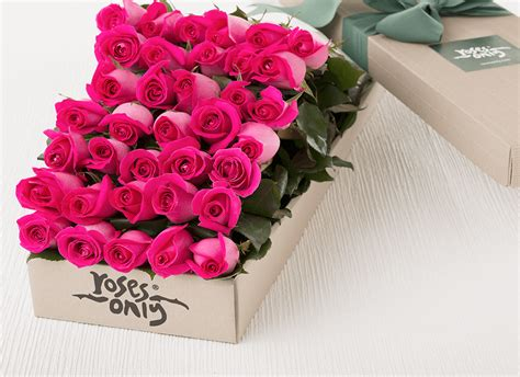 Bloom Box Pink Preserved Flower For Gift pink roses flowers delivered new york gifts for