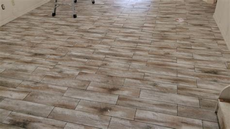 Ceramic Tile Flooring Pros And Cons Tiles Amazing Ceramic Tile That Looks Like Wood Flooring Home Depot Floor Tile Tile That Looks