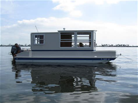 Handmade Houseboats - trailerable houseboat