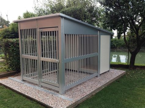 recinti per cani da esterno casine in coibentato e recinto zampe al caldo box per cani