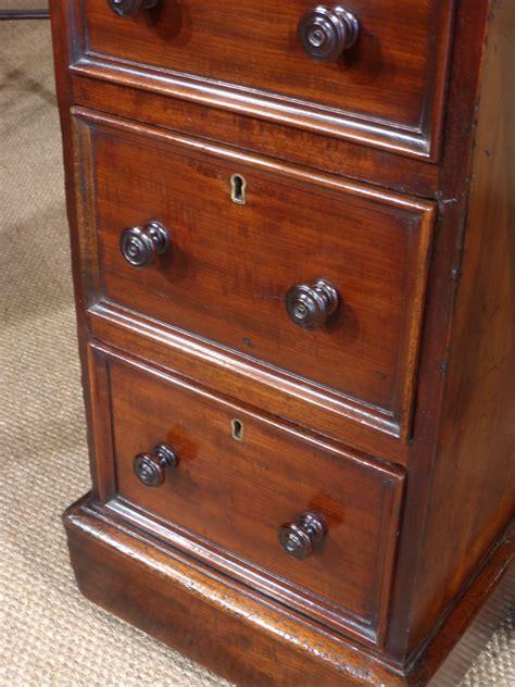 small pedestal desk small antique desk 28 images small antique desk