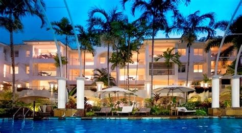 romantic couples getaways palm cove retreat accommodation reef house great barrier reef marathon run for the reef 2016