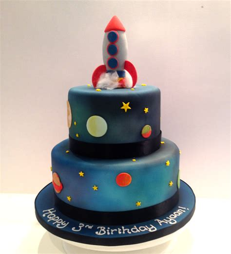 cakes in space tiered rocket space cake etoile bakery
