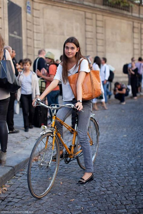 Cycling Chic Style by 39 Fashion Approved Ways To Look Stylish While Biking