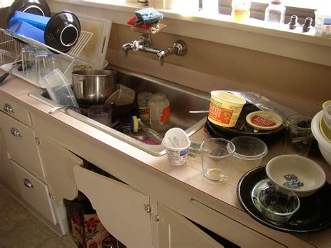 Things To In Your Kitchen by 10 Things You Can Do To Keep Your Kitchen Clean While