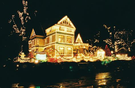 amazing christmas light displays in portland