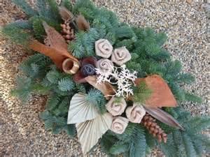 Floral Centerpieces Christmas - autor ivka2102 aranž hřbitov pinterest