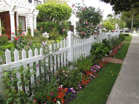 Design For Front Yard Fencing Ideas Front Yard Fence Ideas Landscaping Network