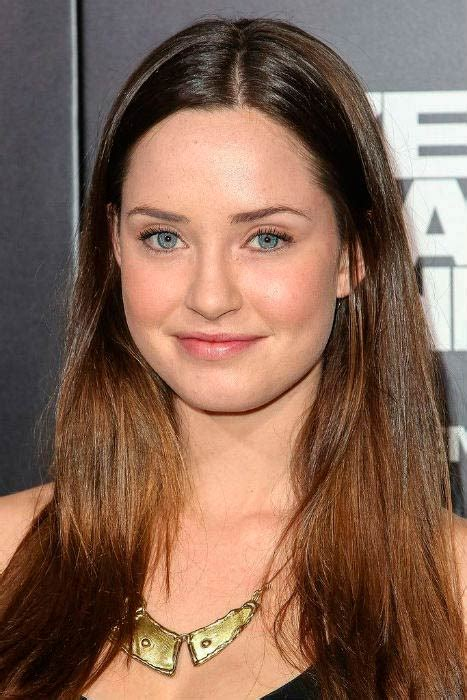 show dark brown haired actresses of the movies of the 1940 merritt patterson height weight body statistics biography