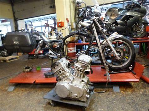 Motorrad Kawasaki Vn 750 by 214 Lleckage Einer Vn750 Vulcan Turbomaxx Motorr 228 Der Und