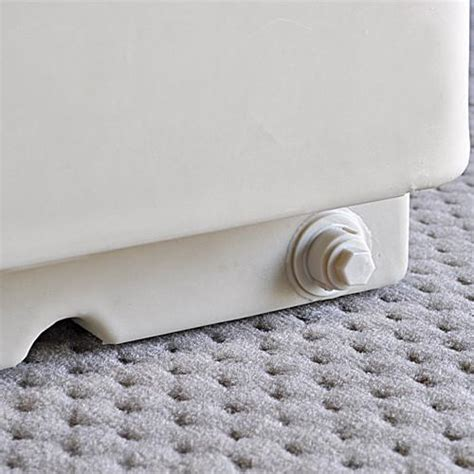 drain plug on pontoon boat flip flop pontoon boat seats pontoonstuff