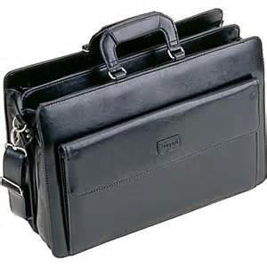 Bugatti Briefcase Bugatti Osgoode Executive Briefcase Black Staples 174