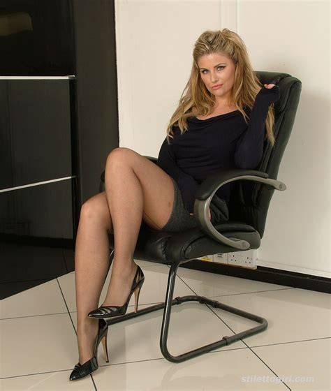 why are tamrons legs shiny on today show long legged kathryn displays her gorgeo stilettogirl net