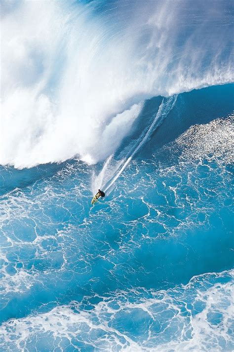 surf s a helicopter view of big wave surfer tony ray surfing a