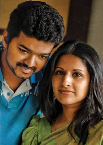 actor vijay and wife photos actor vijay family childhood photos ilayathalapathy