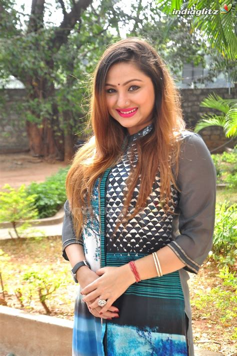 actor priyanka upendra priyanka upendra photos telugu actress photos images