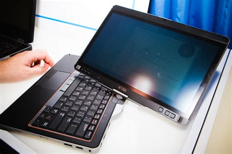 Tablet Dell 10 Inch dell unveils 10 inch windows 7 tablet cnet