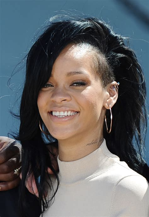Rihanna Supersized Hoop Earrings by Rihanna Gold Hoops Rihanna Looks Stylebistro