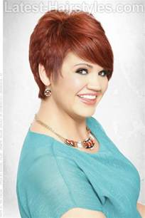 haircuts for figured 50 short layered bob with bangs hairstyle for full figured