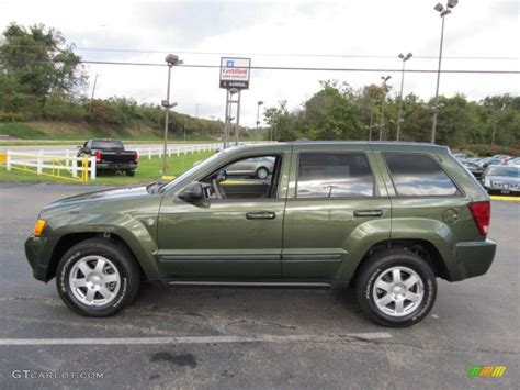green jeep cherokee jeep green metallic 2008 jeep grand cherokee laredo 4x4