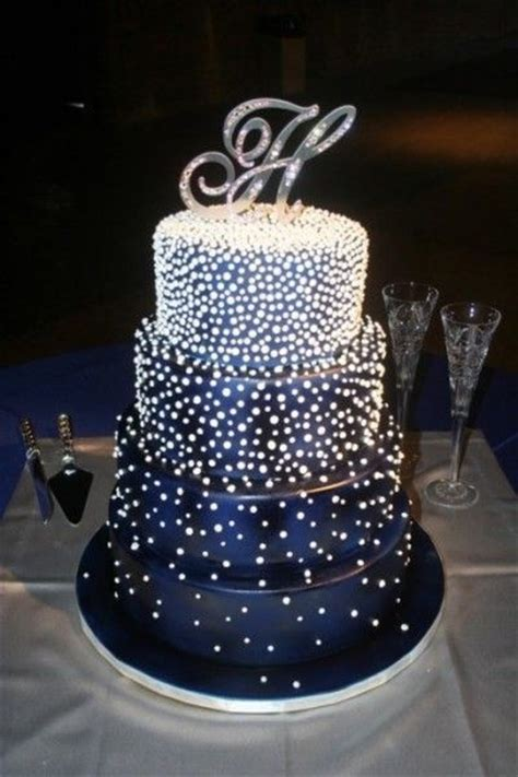 looking for wedding cakes looking cake wedding cakes big small