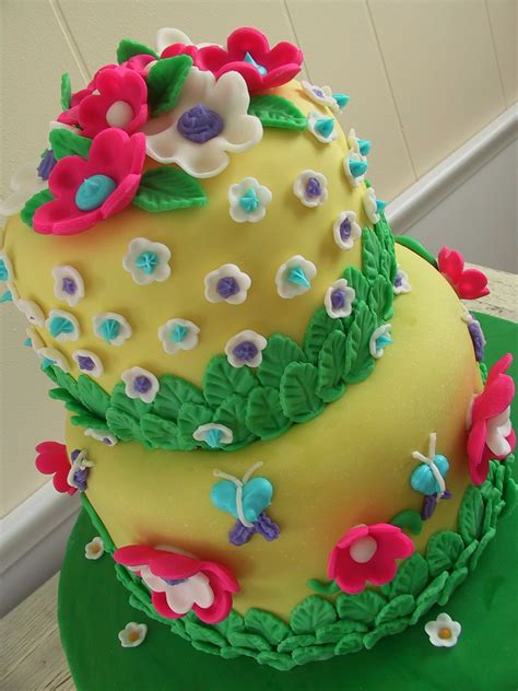 Fondant Birthday Cakes by Butterflies Flowers And Fondant Birthday Cake The
